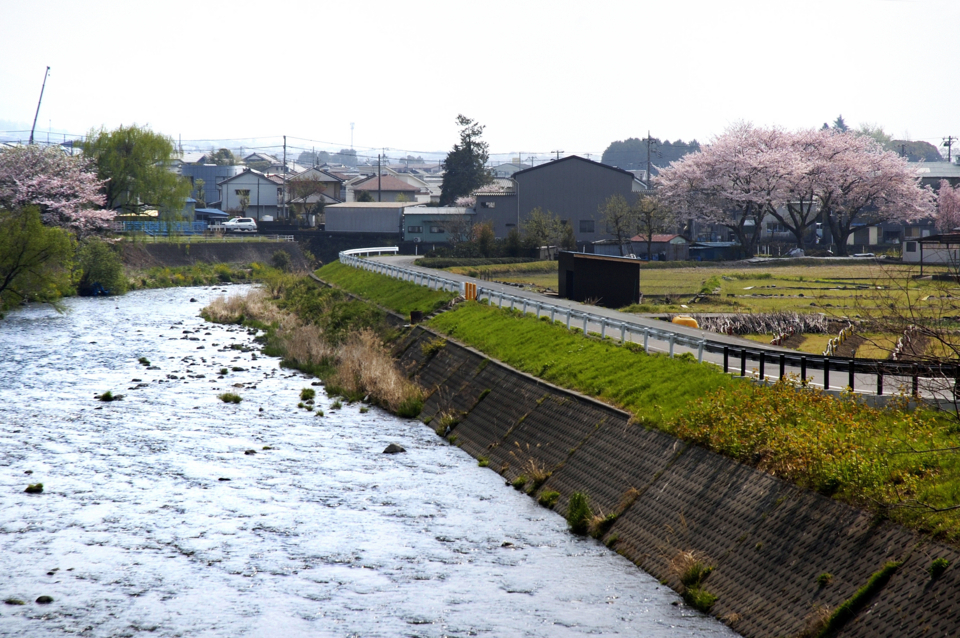 勘助橋から潤井川_180403