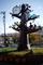 半田市役所入口のモニュメント時計_181216