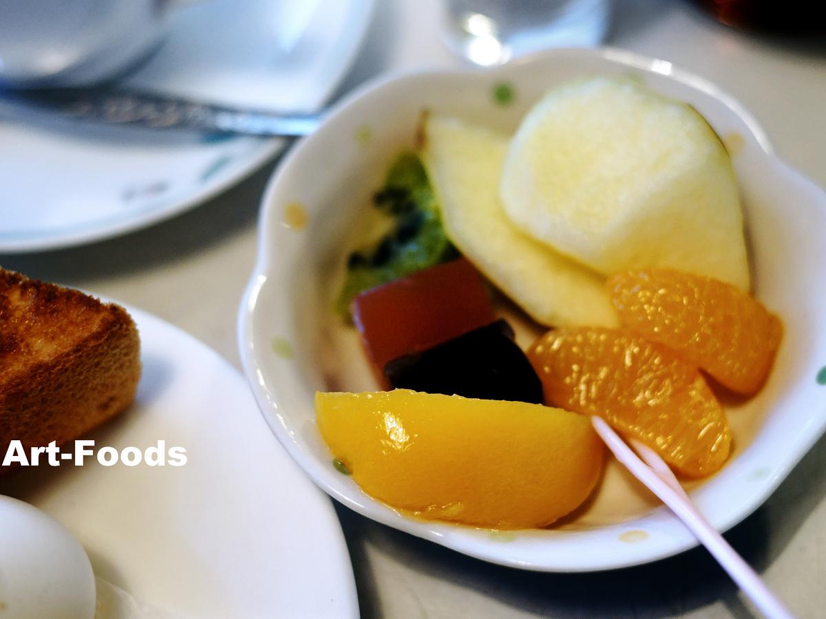すずらんモーニングのフルーツ皿_190413