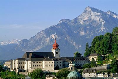 ノンベルク尼僧院。マリアがいた修道院のロケ地。 ⒸTourismus Salzburg (ザルツブルク観光局)