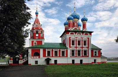 ウグリチにある地の上の聖ドミトリー教会。「ボリス・ゴドノフ」の舞台でもあったり。