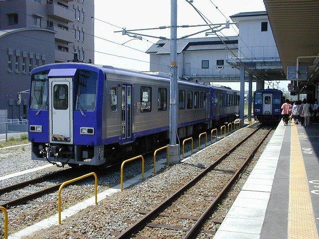キハ120 加茂駅