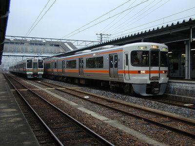 313系 亀山