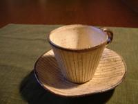舘真由美さんのカップ&ソーサー