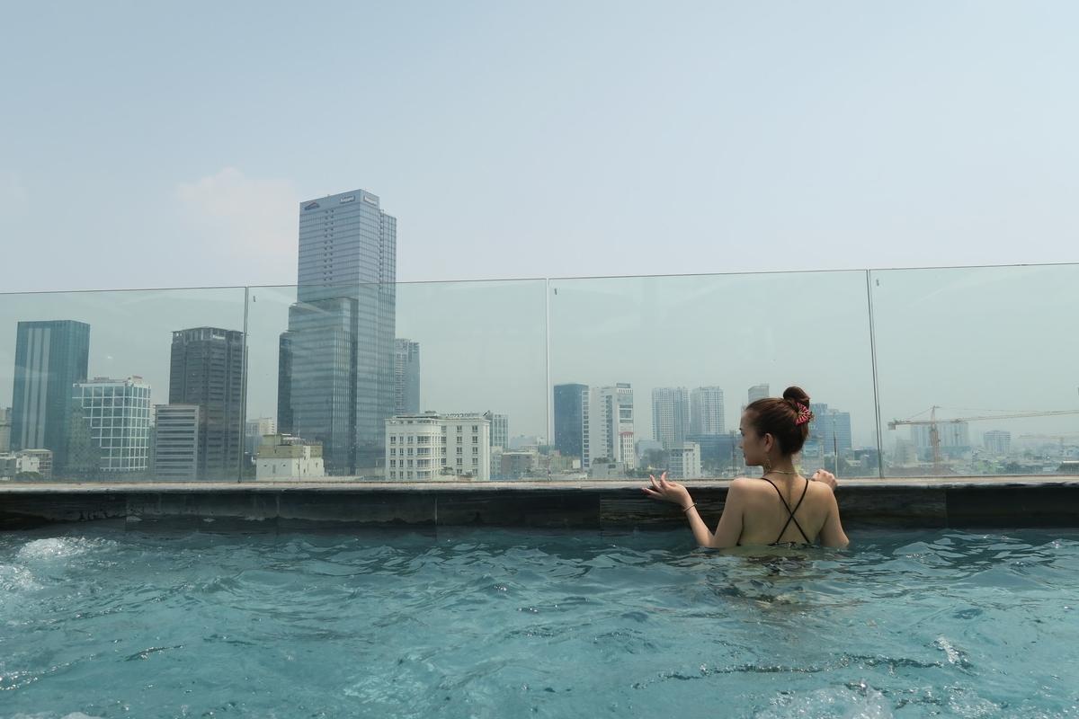 Alagon Zen Rooftop Bar(アラゴン ゼン ルーフトップバー)