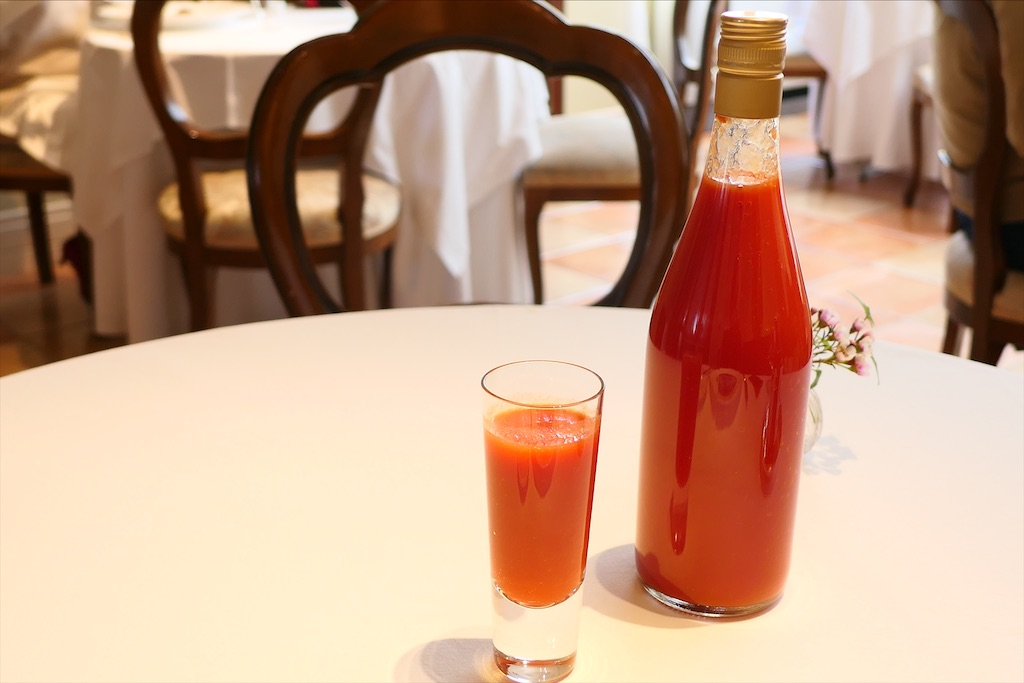 北海道産の特製トマトジュース
