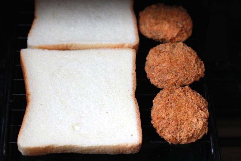 家でサンドイッチ_メンチ