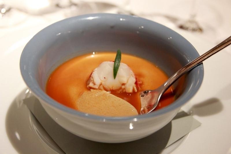白金台OZAWA オマール海老の茶碗蒸し