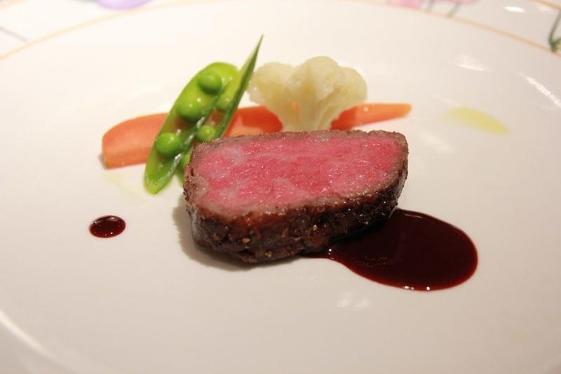 白金台OZAWA 牛ロース肉