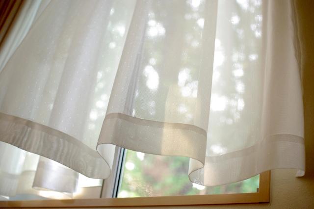 窓から入る自然光