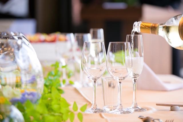 ワインとレストラン