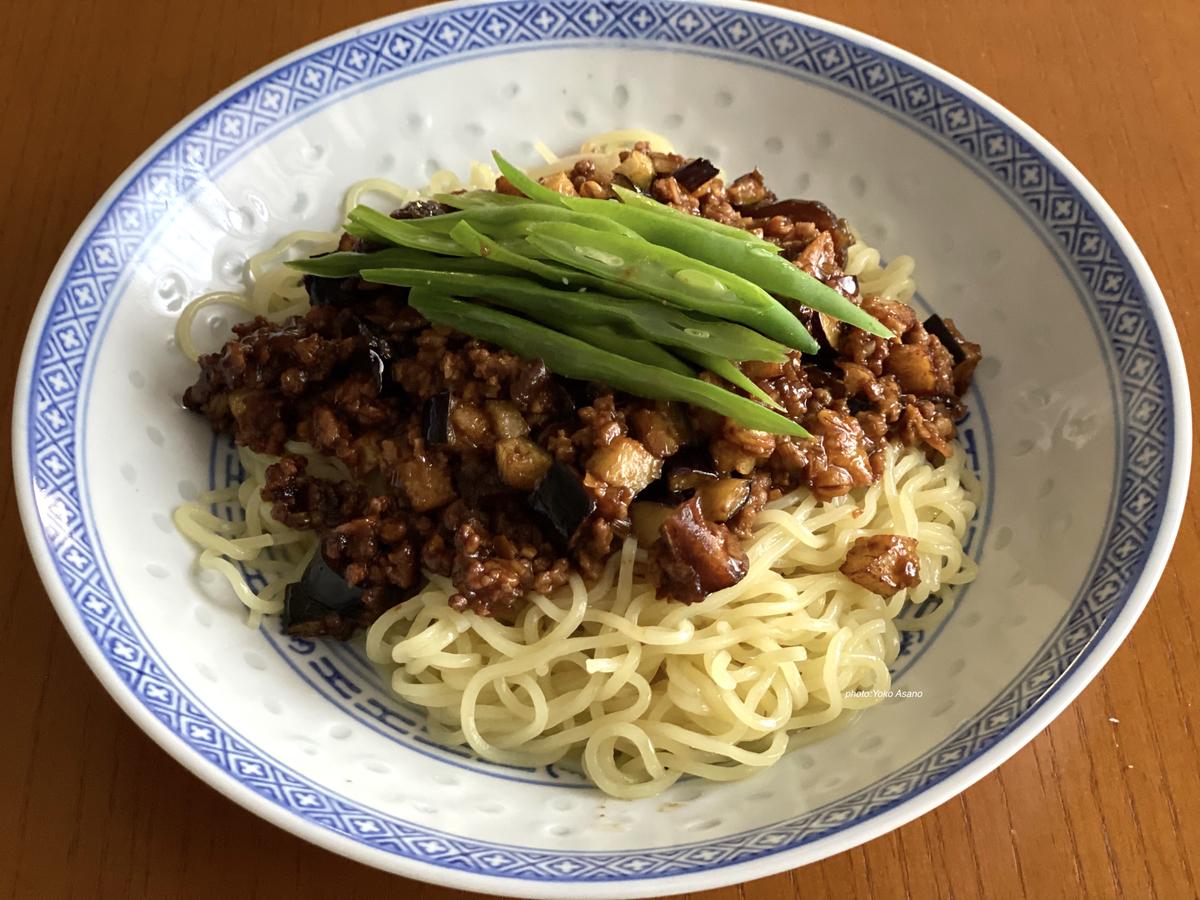 野菜が多めのジャージャー麺