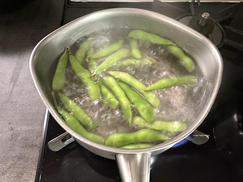 枝豆をゆでる画像