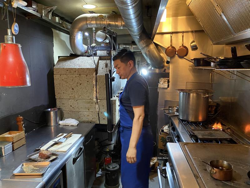 恵比寿のフレンチ、レクテの厨房の画像