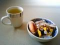 ティータイムにいただいたお茶と菓子1