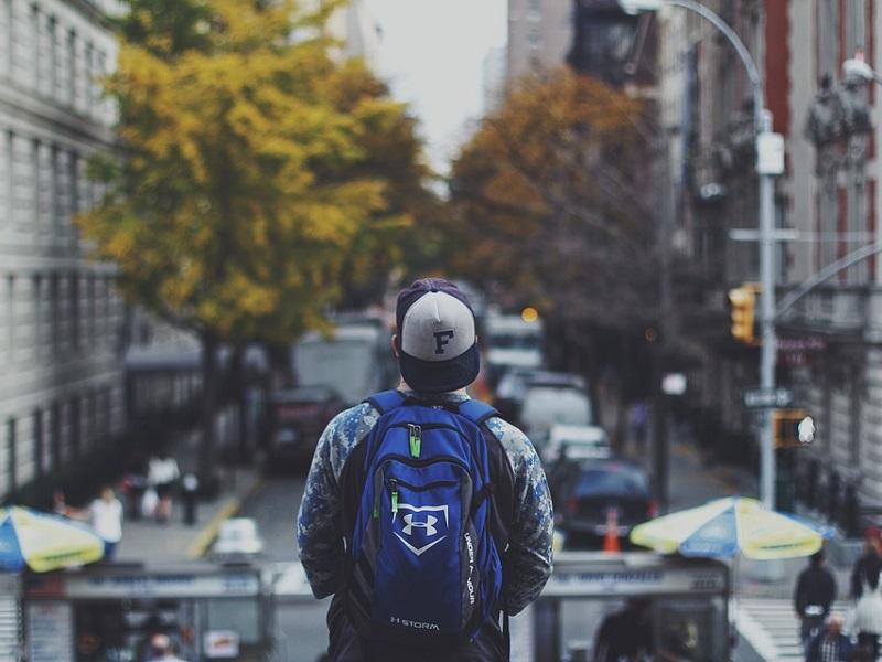 海外で稼ぐ若者