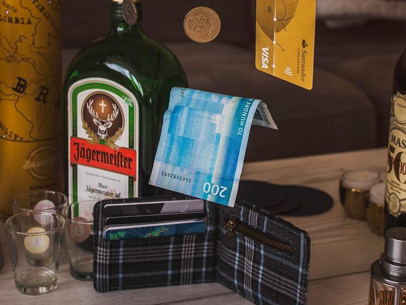 現金だけでなく、カード、パスポート(現地で使えるID)も紛失、盗難