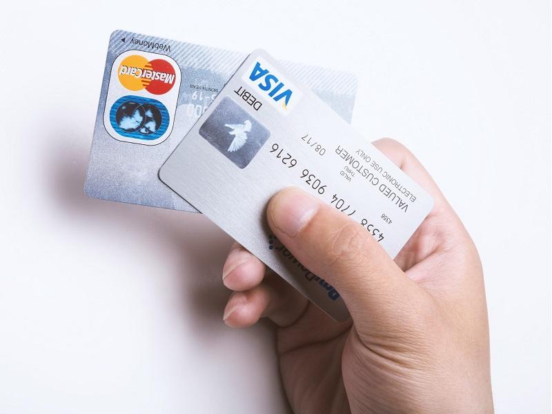 海外旅行保険の付帯しているクレジットカード
