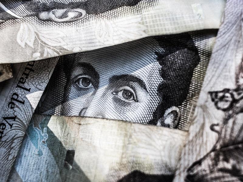 海外の銀行で現地通貨を預金したい人が知っておくべきこと