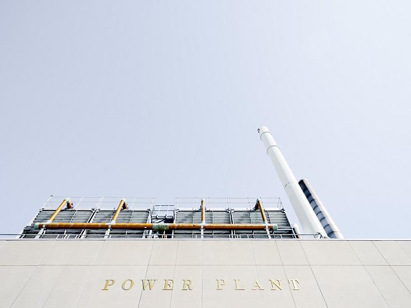 関西電力と他の小売電気事業者(楽天でんき、Looopでんき、ENEOSでんき)との料金比較