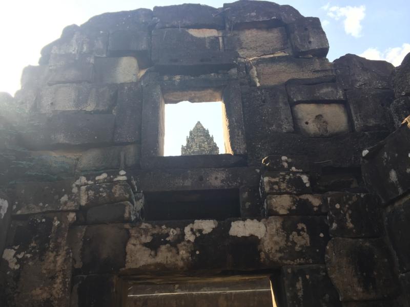 [Wat Bakong][Indravarman I][Roluos]