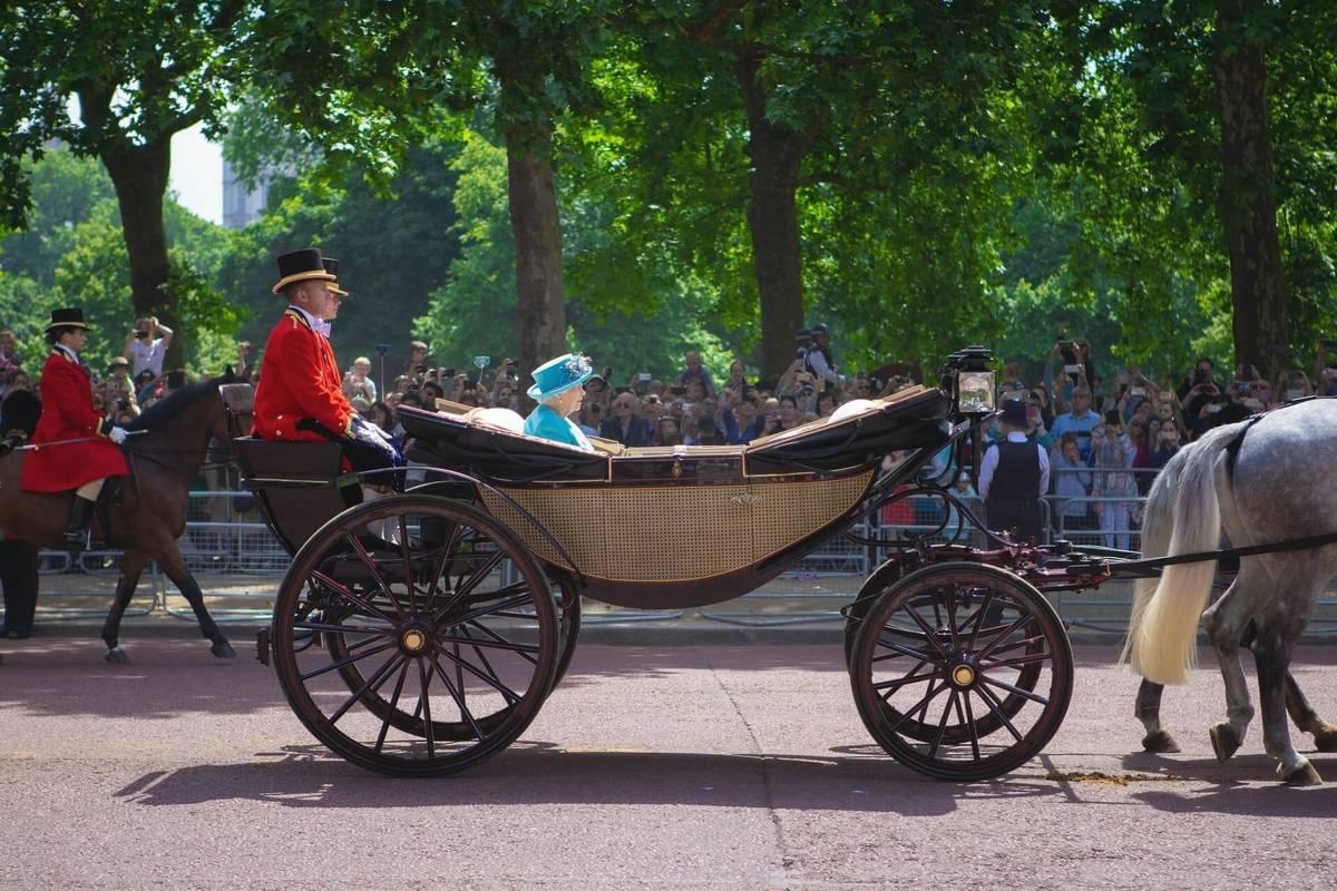 イギリスのエリザベス2世