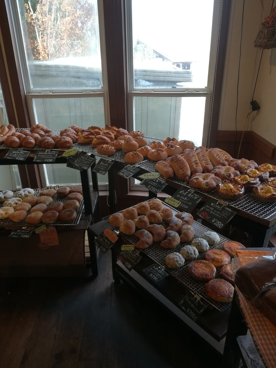 山のパン屋 Daddys Bakery 店内