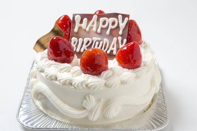 苺のデコレーションケーキ