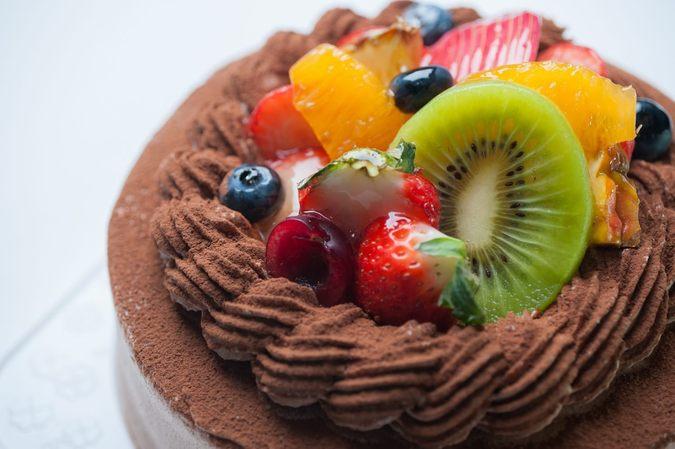 チョコクリームデコレーションケーキ