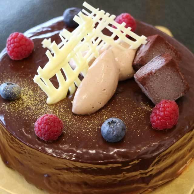 ザッハクリームデコレーションケーキ