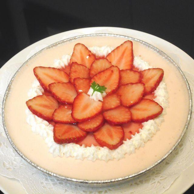 季節のフルーツレアチーズケーキ(苺)