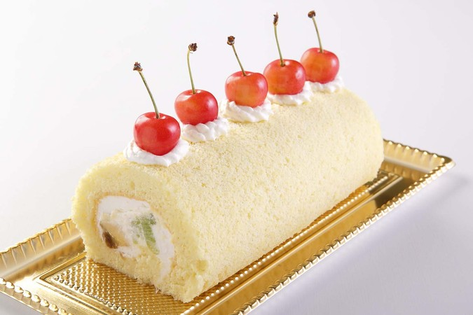 米粉のロールケーキ(季節のフルーツ) 18㎝