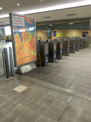 オーストラリア シドニー空港内 シドニートレイン 電車 改札