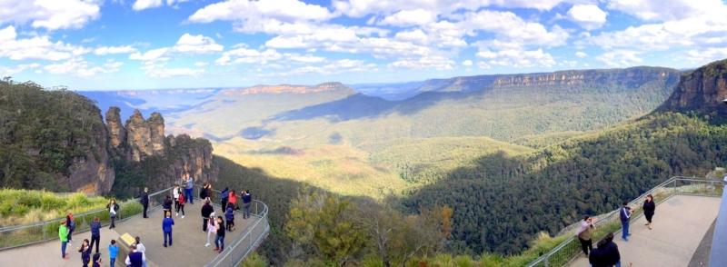オーストラリア ブルーマウンテンズ国立公園のエコーポイント 上の段からの景色 パノラマビュー