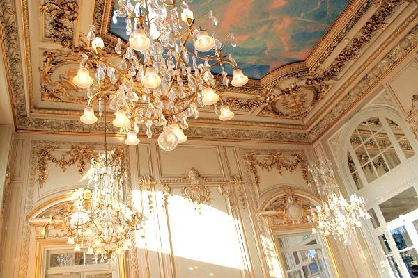 パリ オルセー美術館内のレストラン内の装飾
