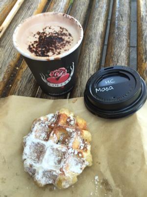 オーストラリア シドニー マンリー Berefoot coffee Traders Belgian Hot Choc Plain Waffle ベアフット・コーヒー・トレーダーズ ベルギー・ホット・ショコラ プレーン・ワッフル