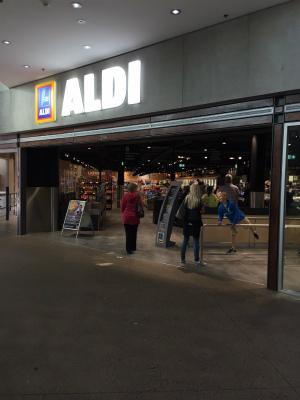 オーストラリア シドニー マンリー ドイツ系スーパーマーケット ディスカウントストア ALDI アルディ