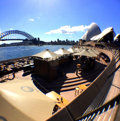 オーストラリア シドニー ハーバーブリッジとオペラハウス、オペラ・バー