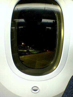 ANA 全日空 羽田空港出発 シドニー空港行き 787 R2-D2 ANA JET 電子カーテン 飛行機の中