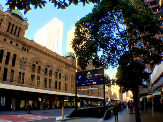 QVB クイーン・ビクトリア・ビルディング The Queen Victoria Building 外観 駅と直結