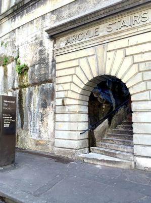 オーストラリア シドニー パイロンルック・アウト アーガイル・ステアーの入り口(階段)でカンバーランド・ストリートへ出る
