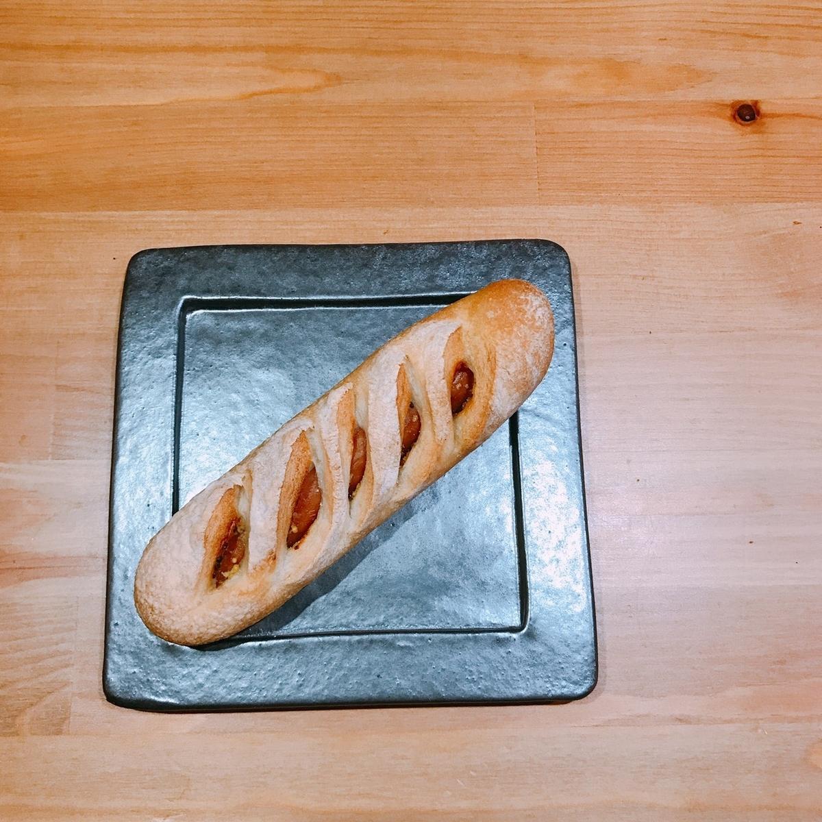 ソーセージパンの写真
