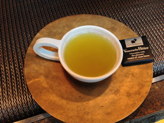 うおがし銘茶「茶・銀座」1階、茶プレッソ