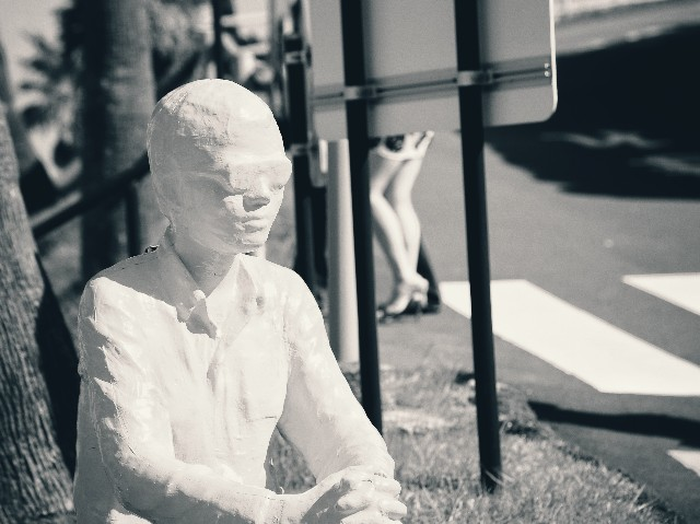 サンメッセ日南の人形