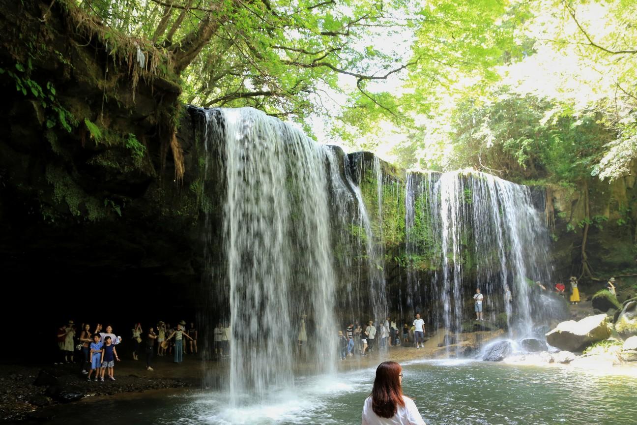 一眼レフカメラで撮影した熊本県の鍋ヶ滝