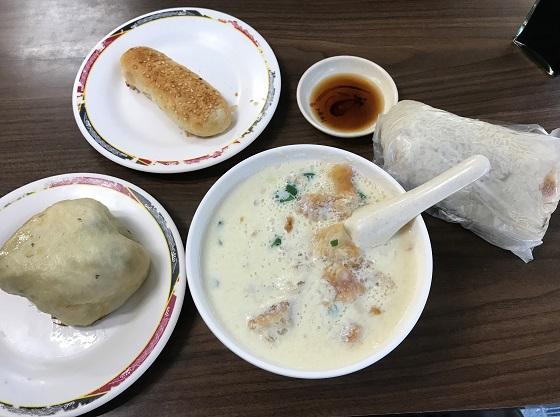 朝食 鼎元豆漿(ディンユァンドゥジャン)