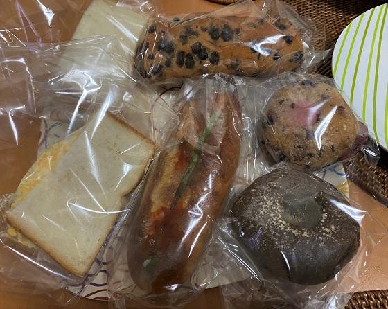 エビスタ西宮 アールベイカーのパン