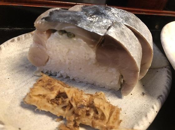 丹波そば切り花格子 鯖寿司