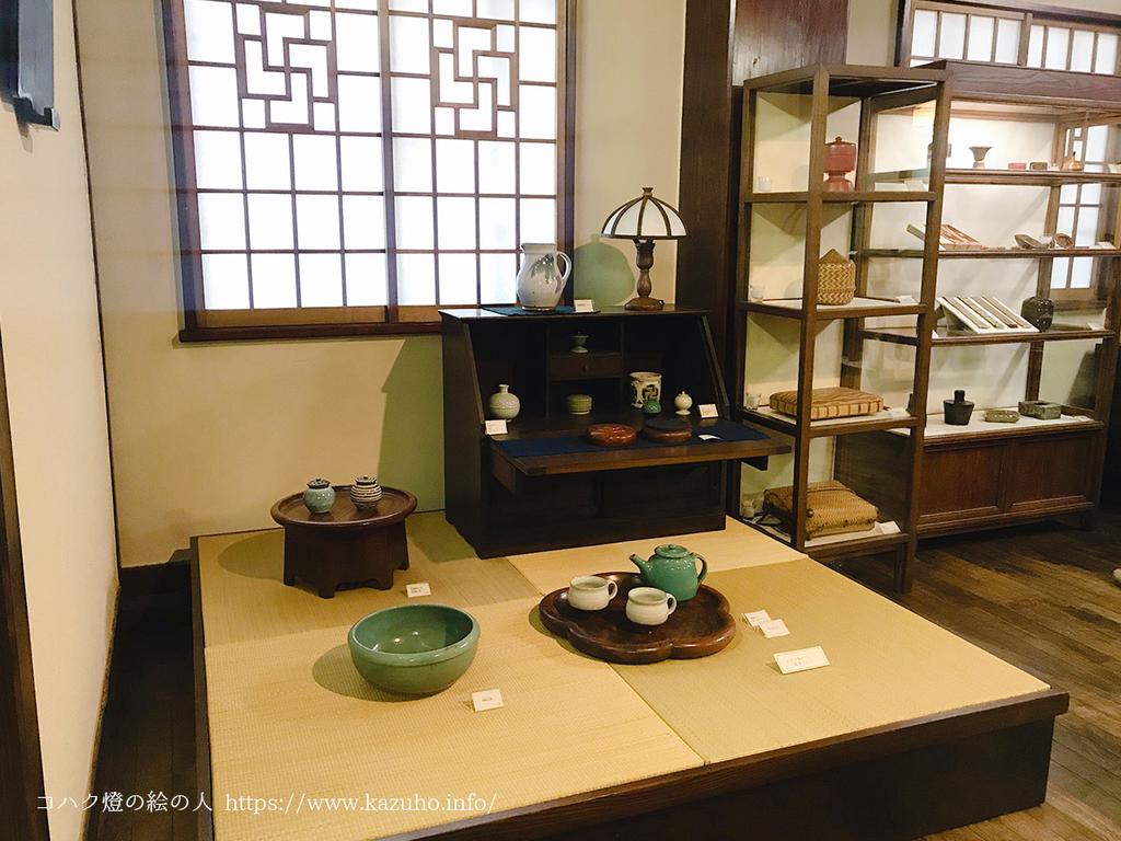美術館の1階は国内の民芸作家の作品が展示されている