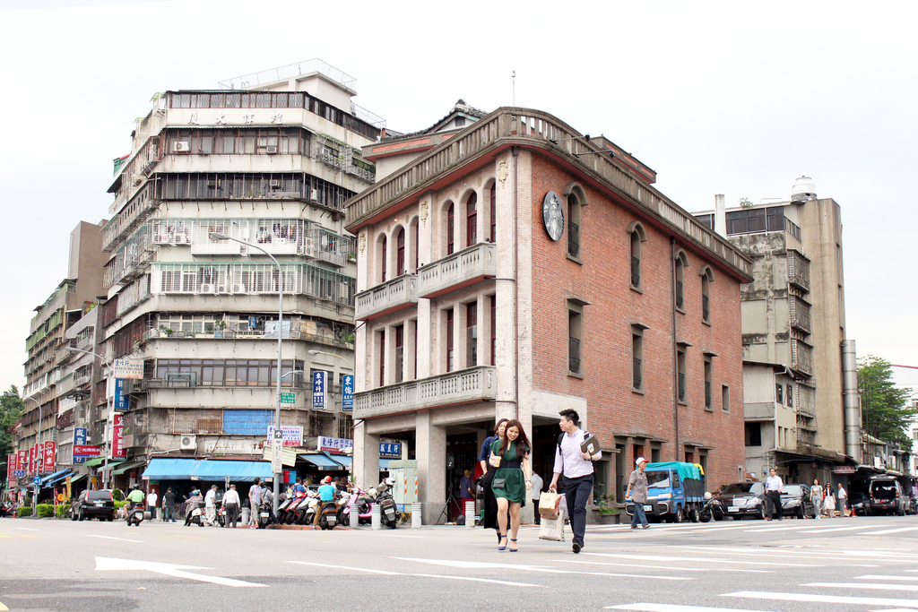 台北スタバの店舗保安店の外観写真
